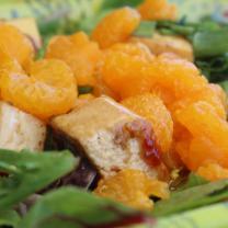 Mandarine Salad with Tofu and Sesame Ginger Dressing